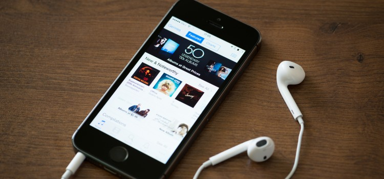 Itunes Music Charts On Apple Iphone 5S
